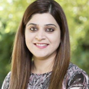 Dr Rashi Anand Photo