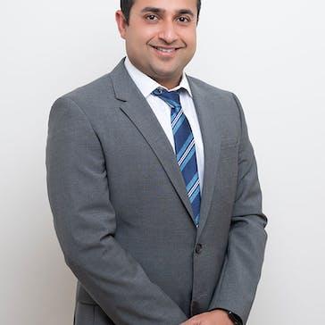 Dr Puneet Mahindra Photo
