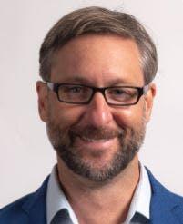 Photo of Dr Simon Franks