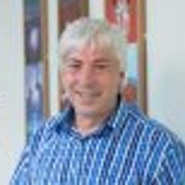 Dr Robert Burns Photo