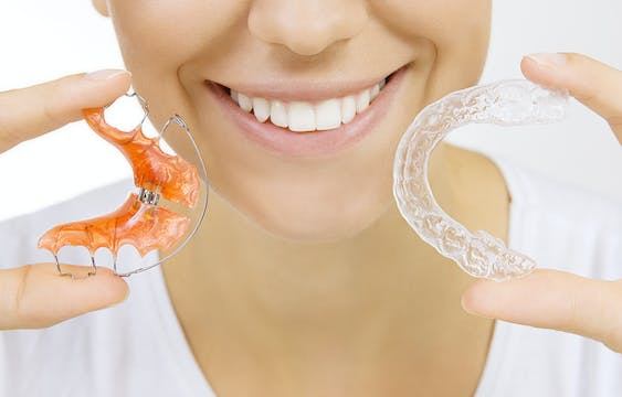 Mouth plate and Invisilign