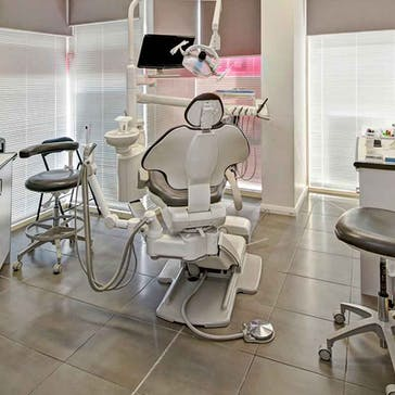 Woodville Road Dental Centre